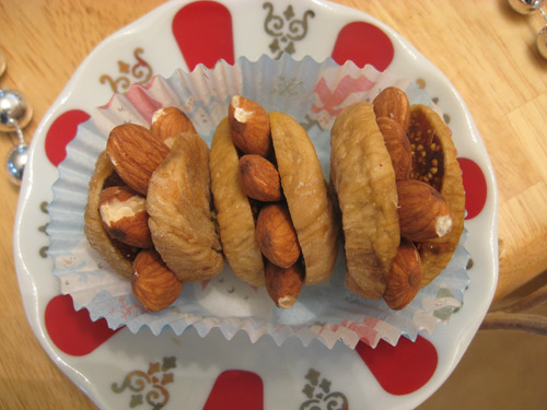 Figs with Almonds