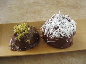 Schokokuss with Pistachio and Coconut topping